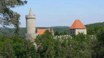kokorin_hrad_panorama-352x198.jpg
