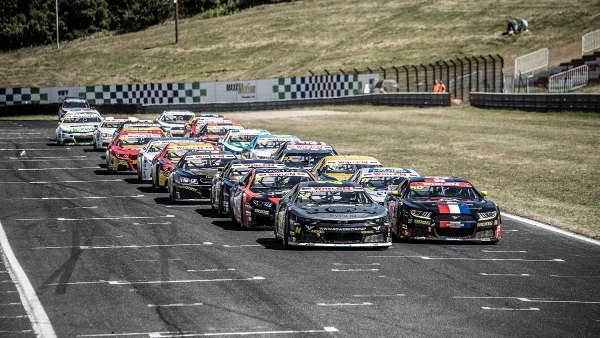 Závod NASCAR se vMostě pojede až příští rok