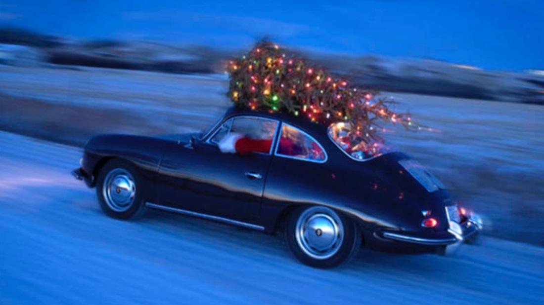 Ještě nemáte vánoční stromek? Experti poradí, jak jej bezpečně převážet