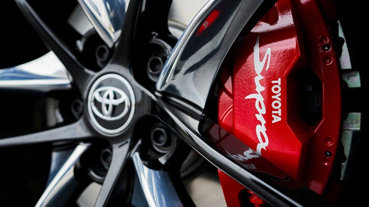 Japonci mají opět nejcennější automobilovou značkou světa