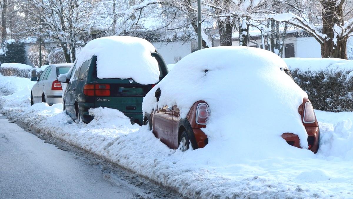 Jízda se sněhem na autě pohledem legislativy