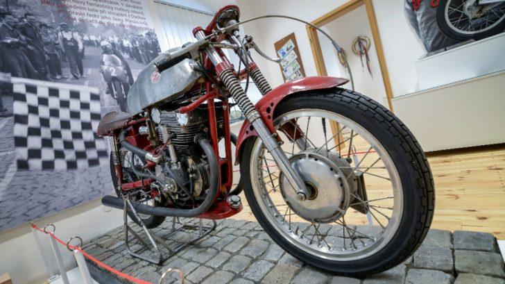 vystava-czech-road-racing-728x409.jpg