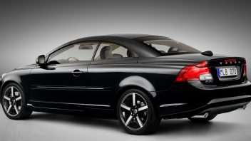 2013-volvo-c70-rear-view-top-up-352x198.jpg