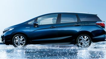 2015-honda-shuttle-sales-have-kicked-off-in-japan-photo-gallery-95490_1-352x198.jpg