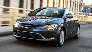 2016-chrysler-200-limited-front-three-quarter-in-motion-352x198.jpg