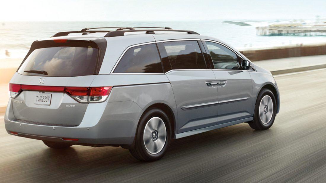 2016-honda-odyssey-minivan-rear01-1100x618.jpg
