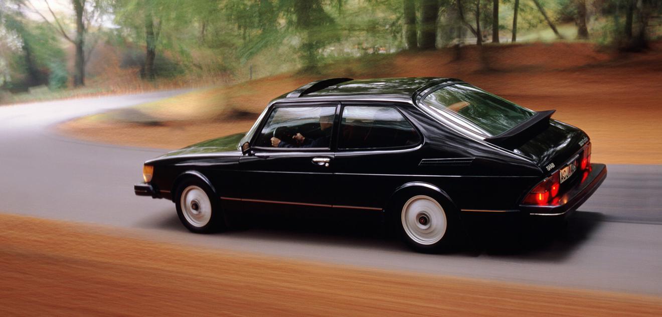 Fotografie Saab 900
